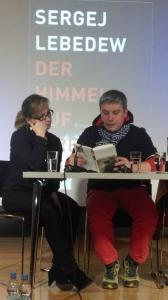 """Inna Herzog-Vahle und Sergej Lebedew während der Lesung aus dem russischen Original: """"Predel zabvenija"""""""